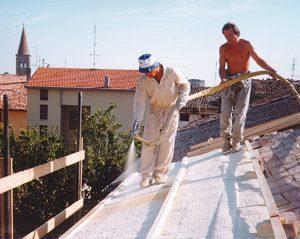 Poliuretano a spruzzo su tetti