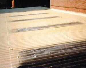 poliuretano su capannoni industriali