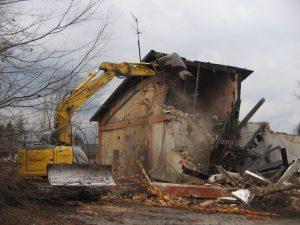 demolizione controllata edifici